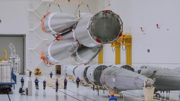 """На """"Восточном"""" готовят ракету к апрельскому запуску"""