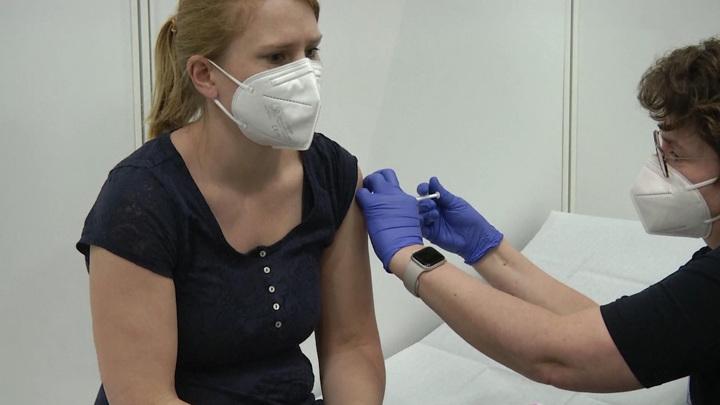 Германия за день привила от коронавируса более 650 тысяч жителей
