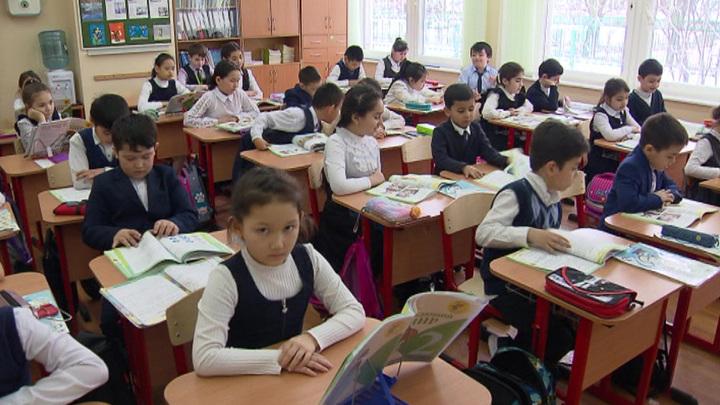 Путин призвал контролировать количество детей-мигрантов в школах