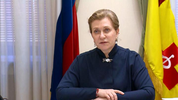 Попова: в ряде регионов преждевременно сняли ограничения из-за коронавируса
