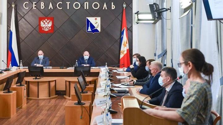 Глава Севастополя поручил чиновникам завести аккаунты в соцсетях
