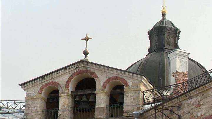 Фасады Гатчинского дворца отреставрируют к следующему году