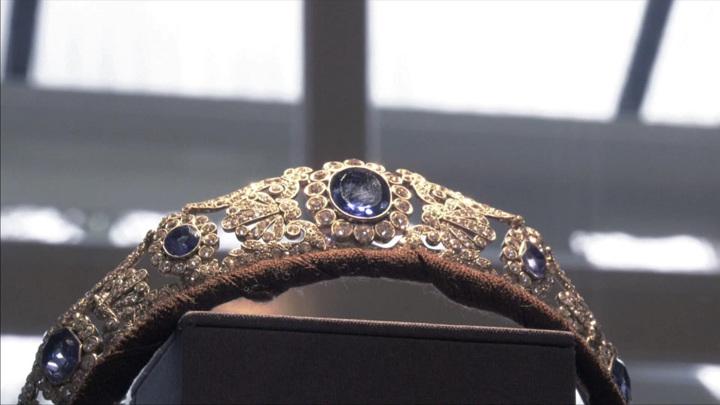 На аукционе Christie's выставят украшения приемной дочери Наполеона