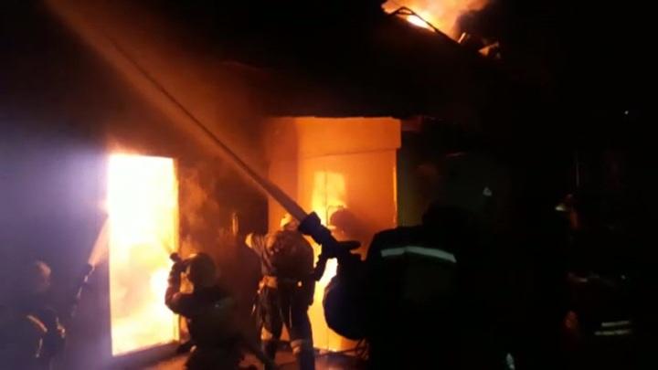 В Волгограде загорелся цех по производству дроби