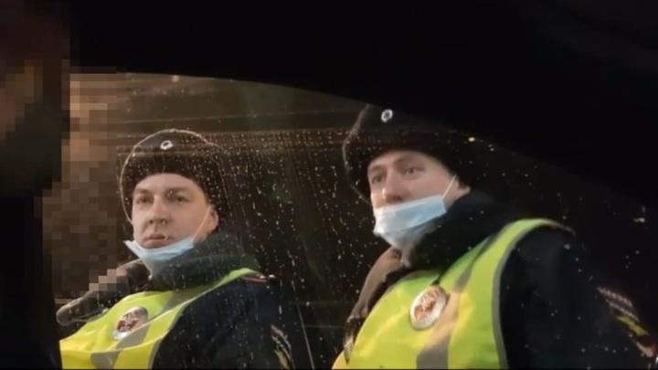 """""""Ты кто такой?"""": выпивший красноярец довел инспекторов ДПС до белого каления"""