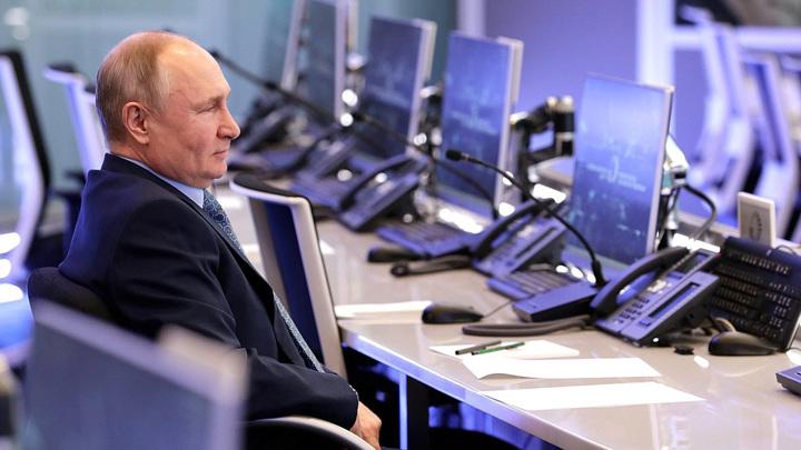 """Путин: власти должны получать """"непричесанные"""" данные о проблемах россиян"""