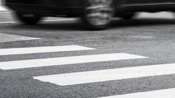 11-летняя девочка попала под колеса автомобиля в Новосибирске
