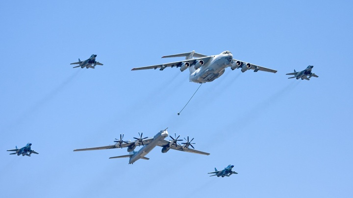 На полеты над Московским регионом на время парада введут ограничения