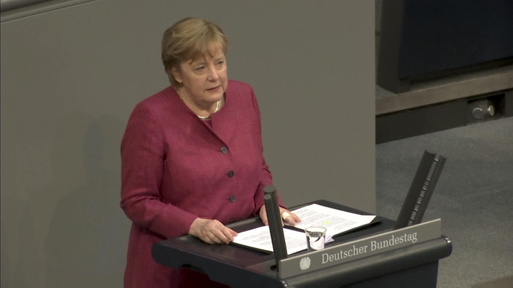 Германия должна поддерживать диалог с Россией, несмотря на разногласия