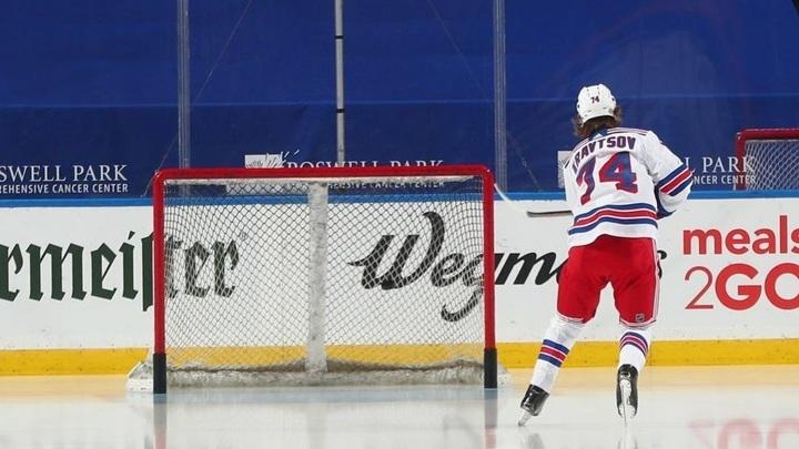 "Форвард ""Рейнджерс"" Кравцов забросил первую шайбу в НХЛ"