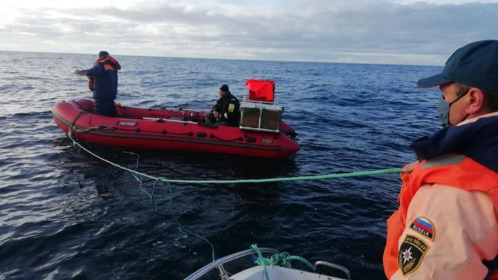 Двух рыбаков спасли на острове Кильдин