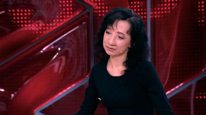 """Кадр из программы """"Прямой эфир"""". Как выглядит Яна Муратова, пережившая 19 операций на носу"""