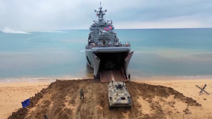 Ударные дроны, корабли и танки. В Крыму прошли масштабные учения