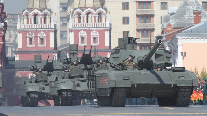 В Москву перебрасывают 300 боевых машин