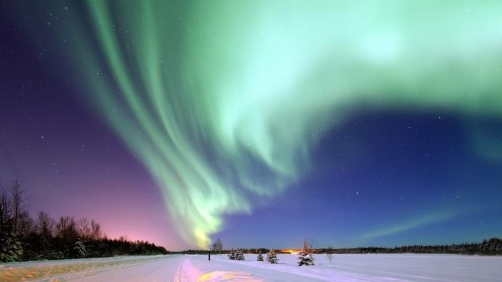 Любые координаты северного магнитного полюса Земли являются временными.