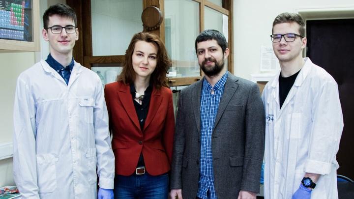 Авторы работы Артём Макаревич и Ольга Бойцова со студентами.