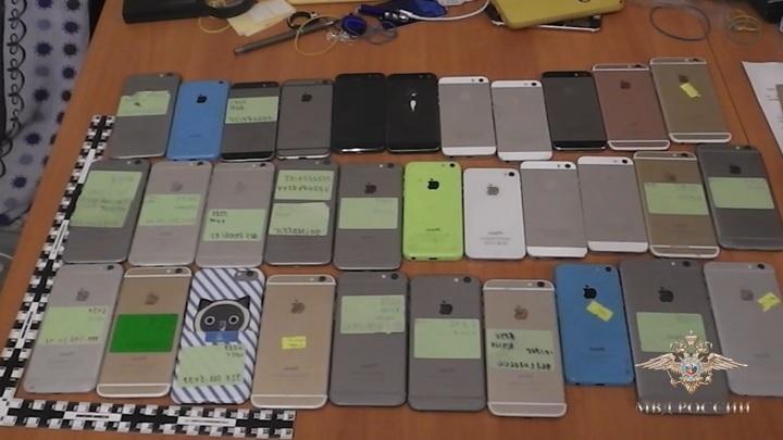 Смартфоны на миллион: в Москве ограблен салон сотовой связи