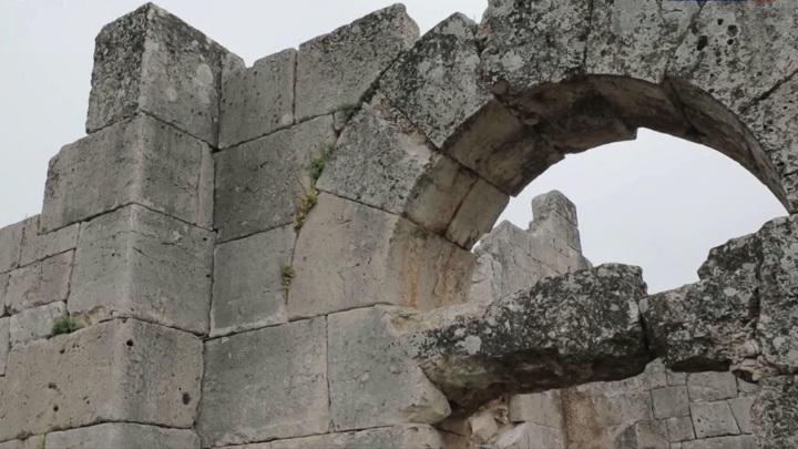 Российские археологи помогают спасать раннехристианские церкви Сирии