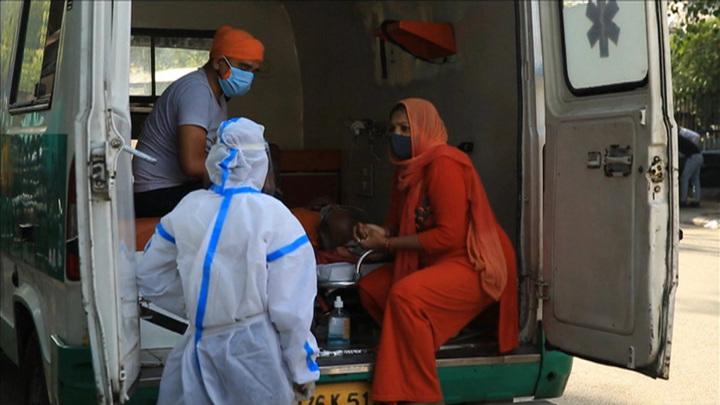 За сутки в Индии выявлено более 412 тысяч новых случаев covid-19