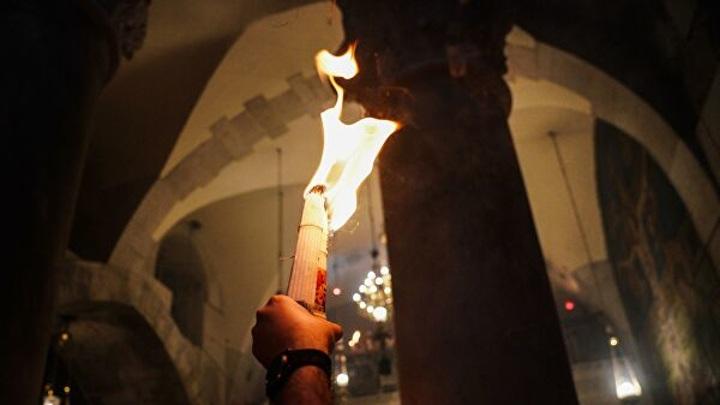 В Казань доставили частицу Благодатного огня