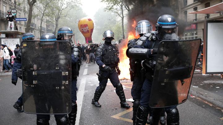 В Париже проведут расследование в связи с беспорядками на 1 мая