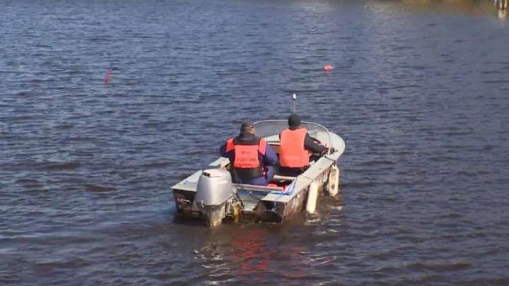 ЧП наСеверной Двине: в перевернувшейся лодке были четыре человека