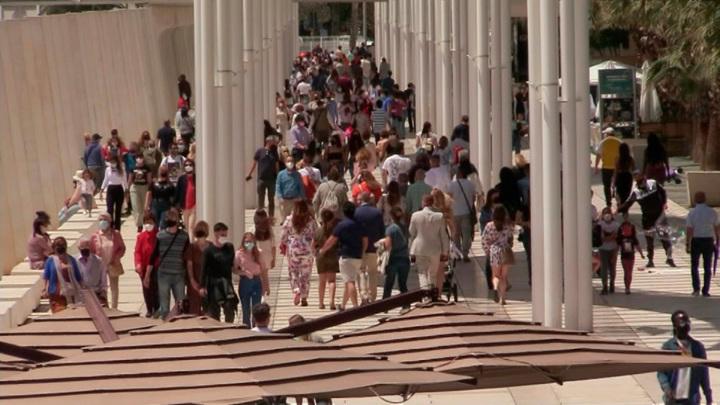 Визовый центр Испании в Москве возобновит выдачу виз с 12 мая