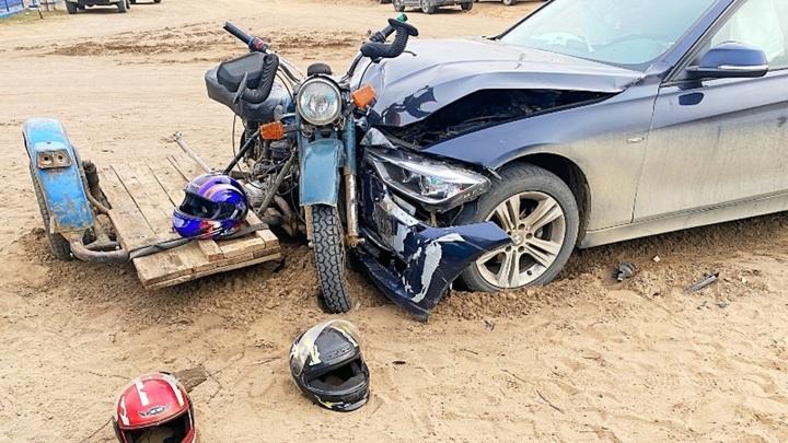 Трое красноярских подростков разбились на мотоцикле без тормозов