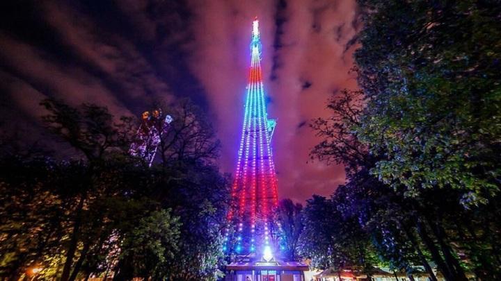 Яркое шоу: в честь Дня радио телебашня Челябинска сменит подсветку