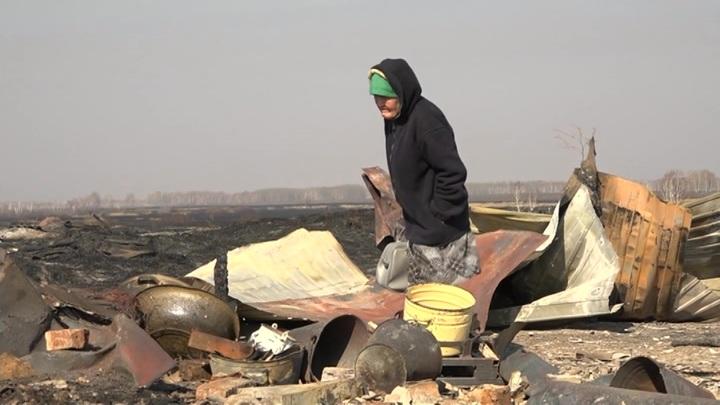 ЧП в Омской области: половина деревни Каракуль сгорела за минуты