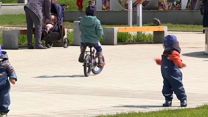 Синоптики сообщили об аномальном тепле в ряде регионов России