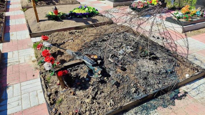 Три могилы были сожжены на кладбище в Петербурге