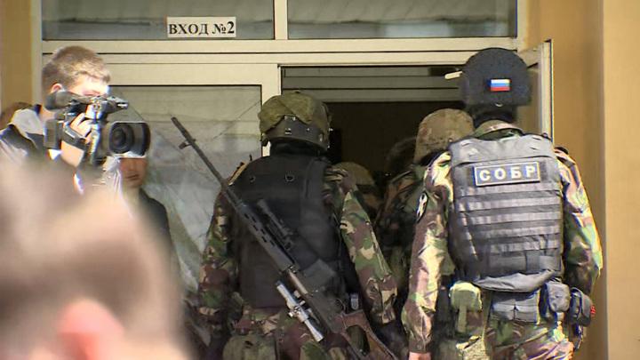 Восемь страшных минут: жертв стрельбы в школе Казани могло быть больше