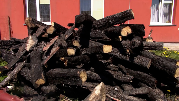 Власти региона помогут в восстановлении многоквартирного дома погорельцам из Славска
