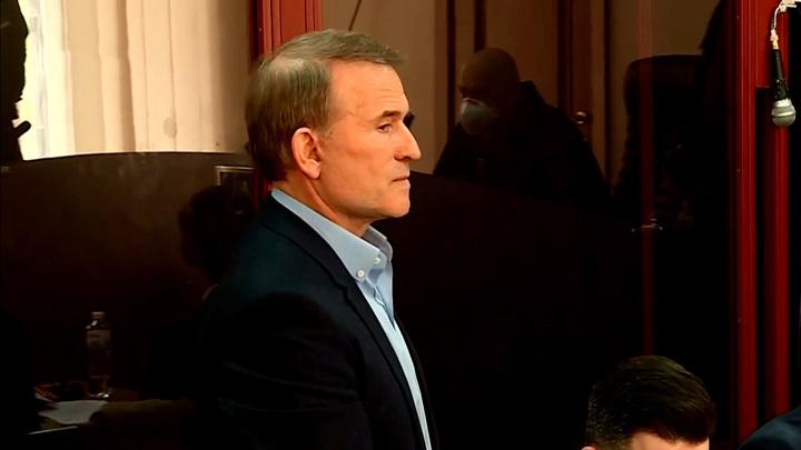 У судьи нашлось немало вопросов к обвинению Медведчука