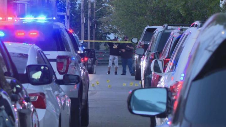 В Род-Айленде неизвестный ранил на улице 9 человек