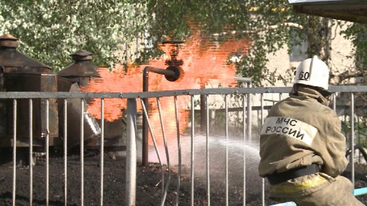 В Ирбите загорелся подземный резервуар с газом