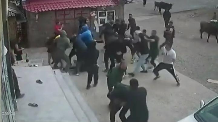 Массовая драка в грузинском городе переросла в беспорядки