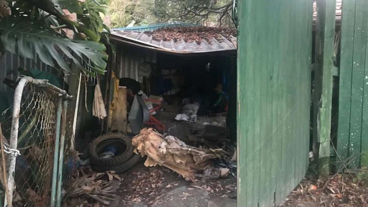 Австралиец 15 лет прятал тело убитого им грабителя в своей спальне