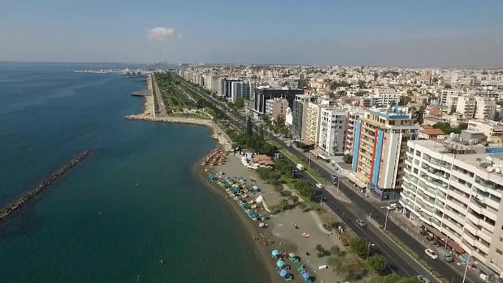 На Кипре может быть введено повсеместное использование антиковидных пропусков