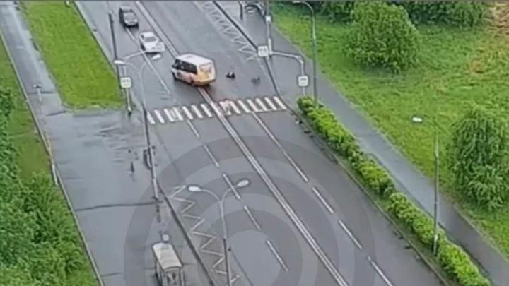 Маршрутка сбила подростка на велосипеде на юго-западе Москвы