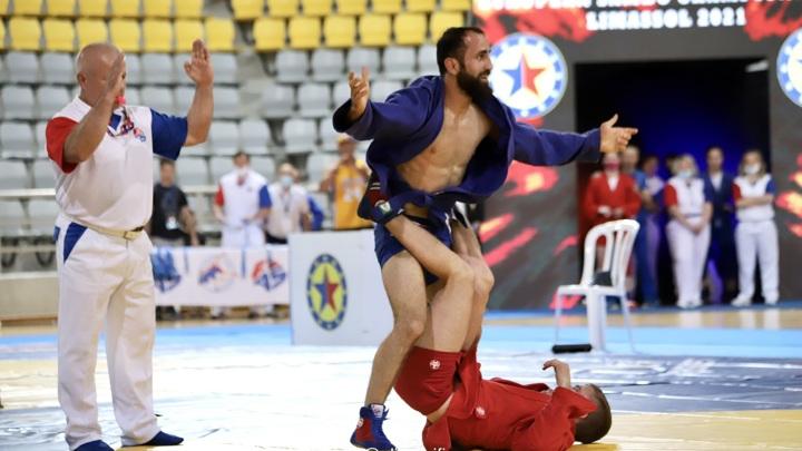Российские самбисты взяли еще четыре золота чемпионата Европы