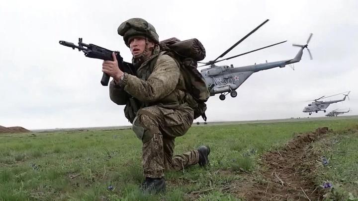 Срочную службу в армии включат в трудовой стаж