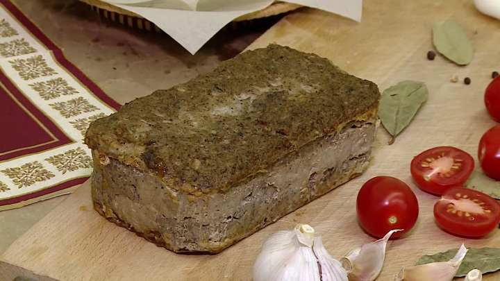 Два в одном. Волгоградские ученые создали колбасный хлеб