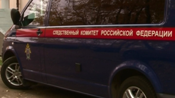 В Новосибирской области из-за обрушения перекрытий здания пострадали два человека