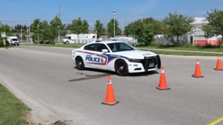 В Канаде грузовик насмерть сбил четырех человек