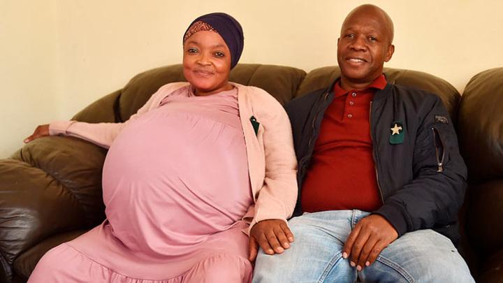 Женщина из ЮАР родила сразу 10 детей