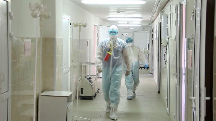Количество заболевших растет. Московские власти призывают носить маски и прививаться
