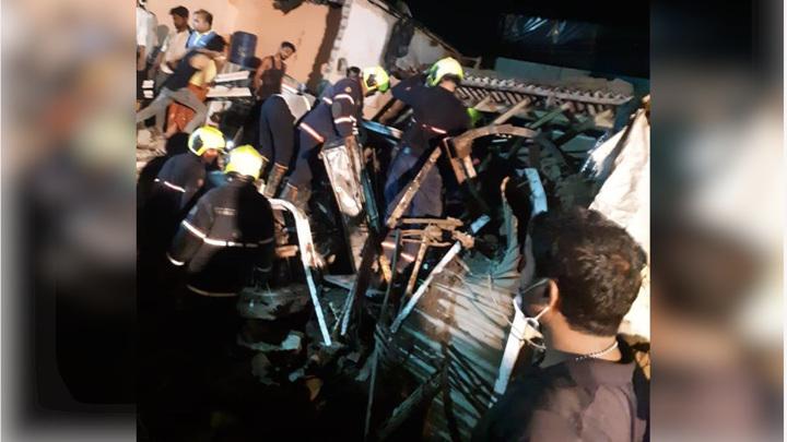 В Индии 11 человек погибли в рухнувшем из-за дождей здании