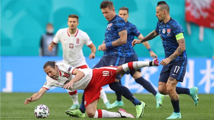Тренер сборной Польши Соуза: я разочарован, так проигрывать нельзя